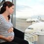 Безопасно ли летать во время беременности?