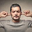 боль в ушах при среднем отите (воспалении среднего уха)