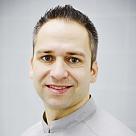 Лубкин Павел Викторович, стоматолог-эндодонт (эндодонтист) в Санкт-Петербурге - отзывы и запись на приём