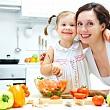 сбалансированное питание овощами и фруктами в семье